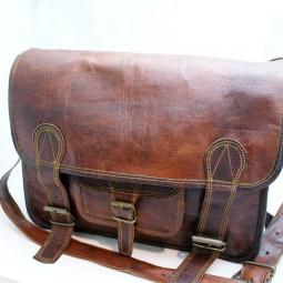 Ledertasche rotbraun mit Fronttasche