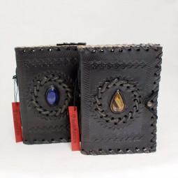 schwarzes Lederbuch S mit Stein (Messingknopf)