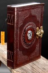 Lederbuch L mit Stein und Hackenschloss