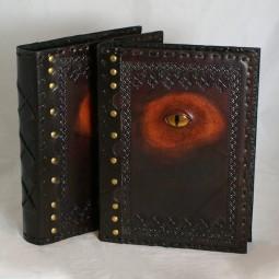 Buchhülle / Lederbuch mit Auge