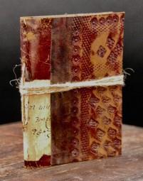 Antikes Lederbuch im Taschenformat