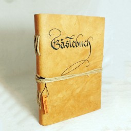 Gästebuch beschriftet mit Kordel, dick