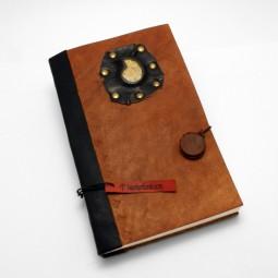 Lederbuch mit Ammonit