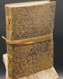 Büffellederbuch mit floralem Motiv