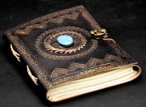 Lederbuch mit Stein