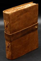 Büffellederbuch mit antikisiertem Papier