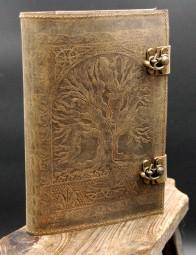 Büffelleder Buchhülle mit Baummotiv